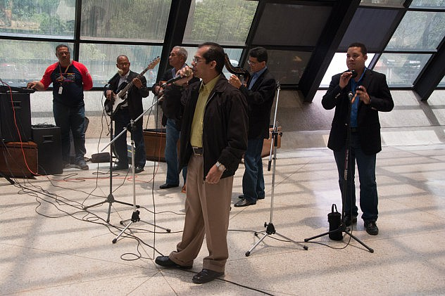 inauguracion exposicion homenaje a Chavez Imagenes para tus ideas baja-23