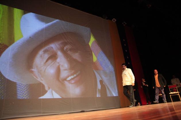 En 2012 el premio fue entregado, entre otras personalidades, al gran Simón Díaz.