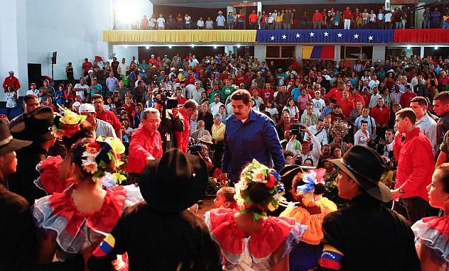 F5- Maduro compartió con los cultores de la tierra de
