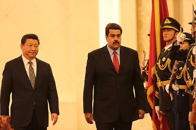 residentes_de_venezuela_y_china1420636774