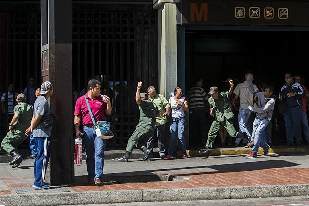 Efectivos de la GNB fueron atacados este miércoles. Foto: Contrapunto