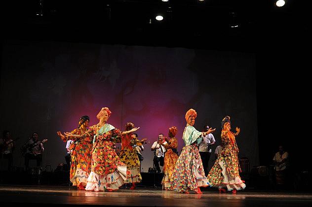 Madamas y Calipso-Tradicional-Popular FCND-Foto Arturo Moreno