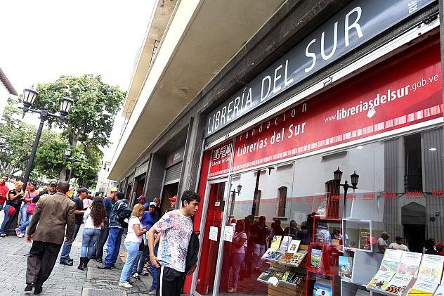 Librería del Sur en la esquina de Gradillas, Plaza Bolívar (Archivo/AVN)