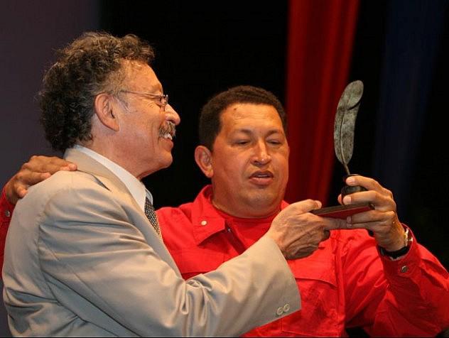 Chávez y Bolívar Echeverría