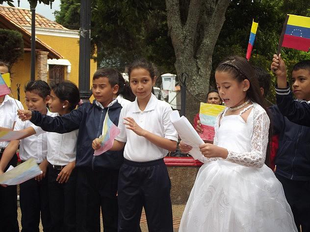 LOS NIÑOS TAMBIEN PROTAGONIZARON A PERSONAJES HISTORICOS