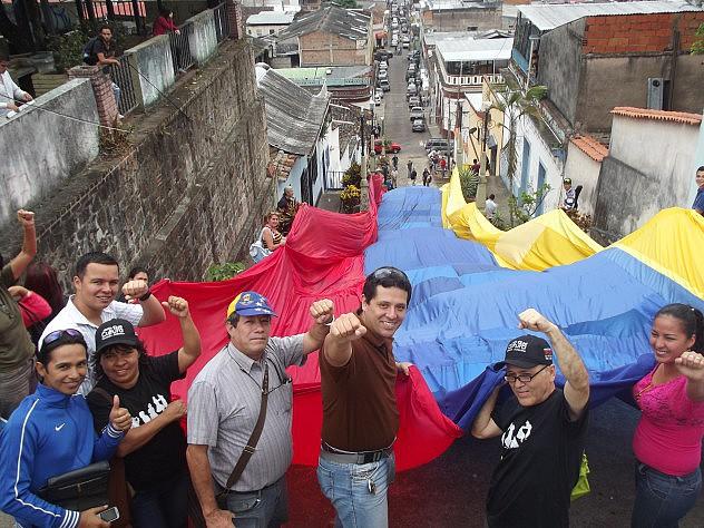 Tachirenses desplegaron el gran manto patrio