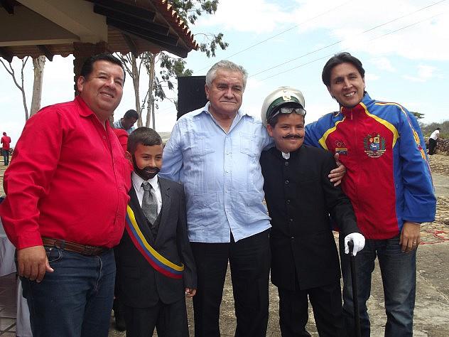 DIPUTADO SOTO ROJAS COMPARTIÓ CON AUTORIDADES MUNICIPALES Y HABITANTES DE CAPACHO VIEJO