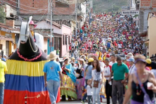San-Caasimiro-estuvo-de-fiesta-con-el-Encuentro-Nacional-de-Burras8