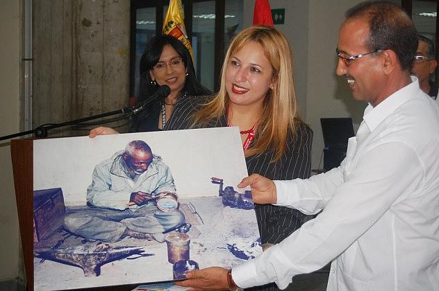 Rectora Michelly Vivas (foto tomada de saharauivenezuela.blogspot.com)