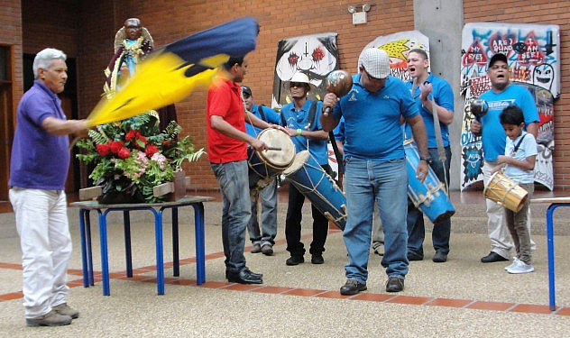 F1- Los Santos Parranderos visitaron el muse