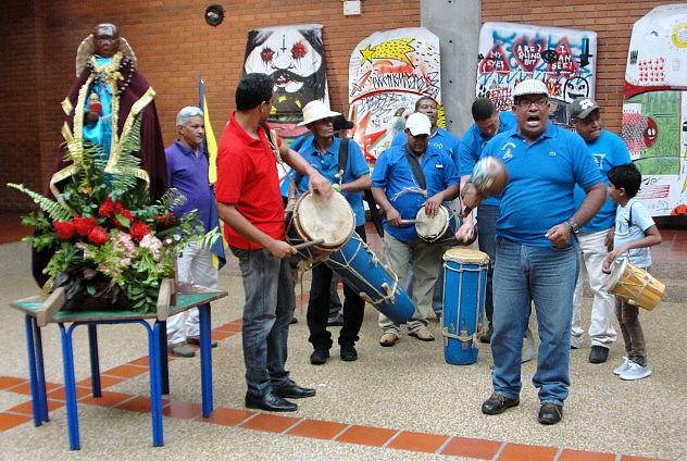 F1- Los Santos Parranderos visitaron el museo