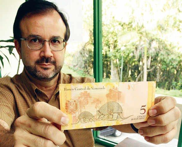 Mata también fue autor de tres de los dibujos que acompañan a igual número de billetes del Bolívar fuerte venezolano. Foto: El Nacional