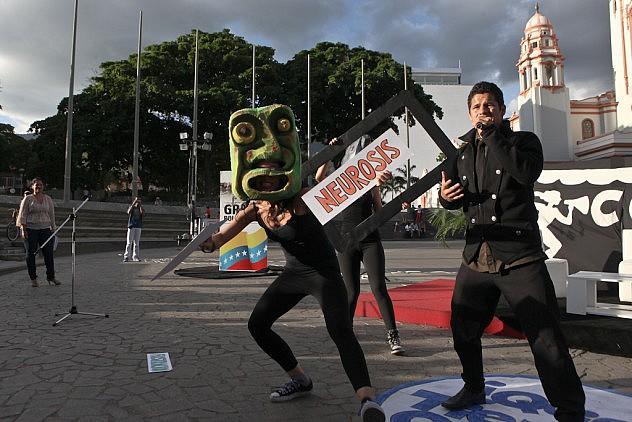 Operaciones Psicologicas Contra Venezuela. Los ponentes son el psiquiatra Erick Rodriguez y la psicologa Ovilia Suarez 27_08_2015 fotos Miguel Moya (17)
