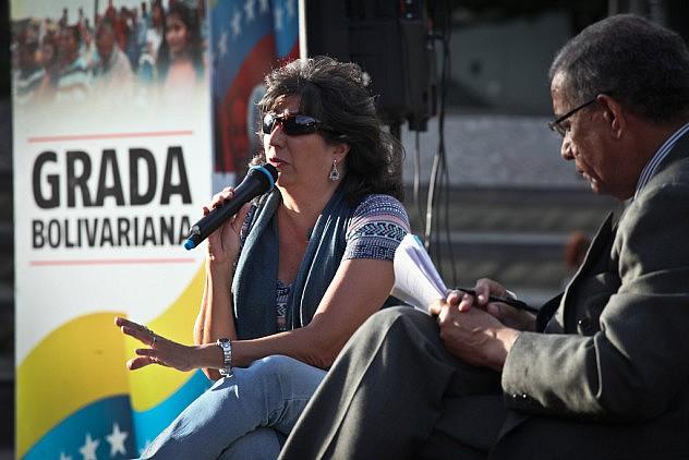 Operaciones Psicologicas Contra Venezuela. Los ponentes son el psiquiatra Erick Rodriguez y la psicologa Ovilia Suarez 27_08_2015 fotos Miguel Moya (23)