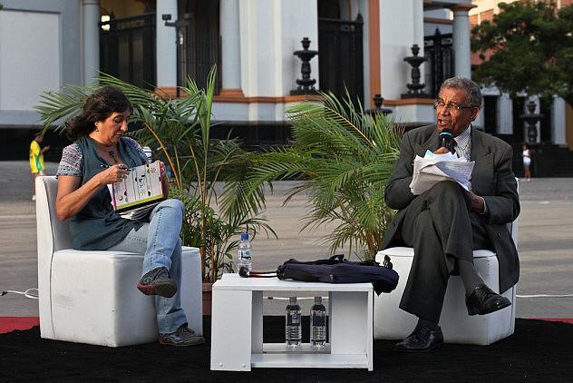 Operaciones Psicologicas Contra Venezuela. Los ponentes son el psiquiatra Erick Rodriguez y la psicologa Ovilia Suarez 27_08_2015 fotos Miguel Moya (26)