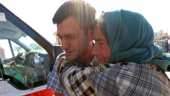 Familiar-de-Abdullah-lo-consuela.-Foto-Reuters