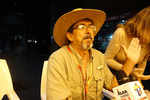 Alexander Paredes, luthier y constructor de cuatros. Foto: Randolph Borges