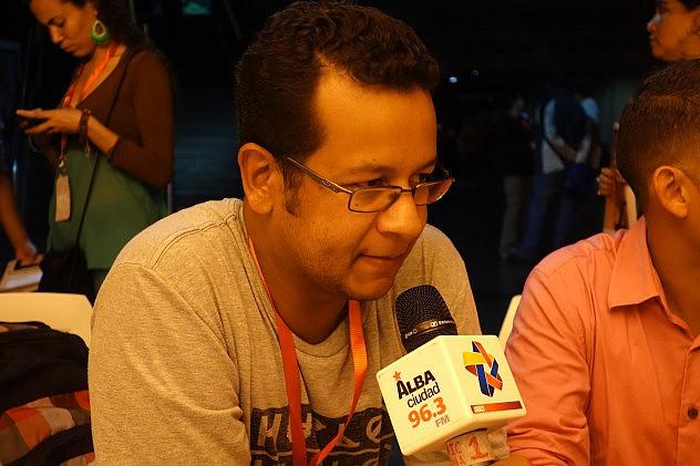 José Reina, director de la agrupación de salsa Pumaband. Foto: Randolph Borges