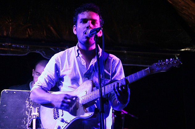Alí Velásquez - Cantautor.