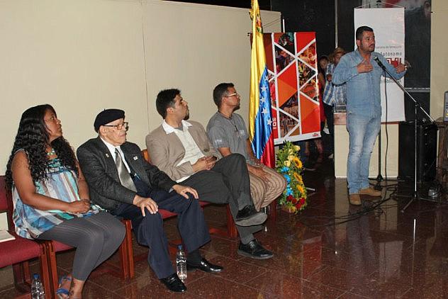 Inauguracion del Centro de Documentacion Ramon Tovar11