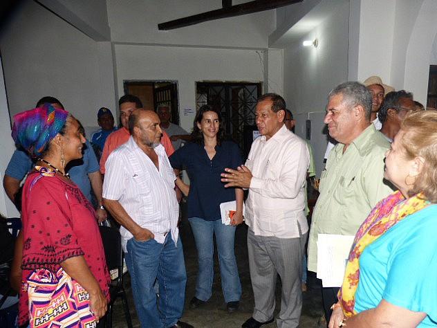 2 El prof Luis Acuña Cedeño al Lado de Giordana Garcia Inauguraciòn