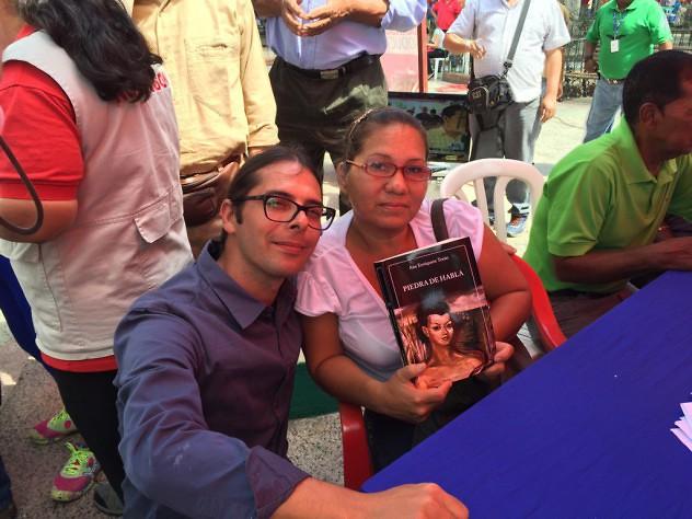 Ministro Ñáñez con Edith Infante.