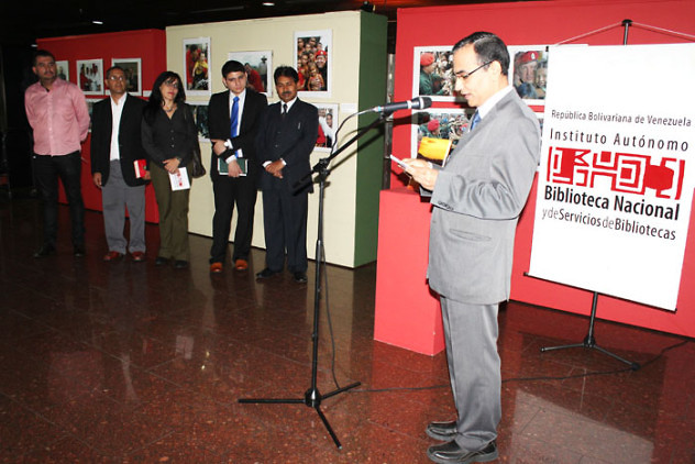 Donación de libros de la India a la BNV2
