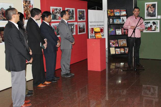 Donación de libros de la India a la BNV5