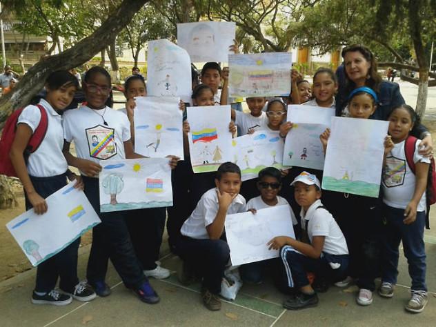 Leyendo a Bolívar lo Pintamos en la Plaza El Valle