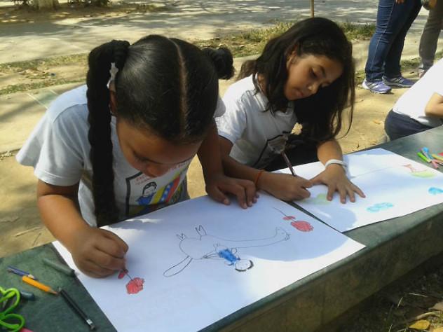 Leyendo a Bolívar lo Pintamos en la Plaza El Valle8
