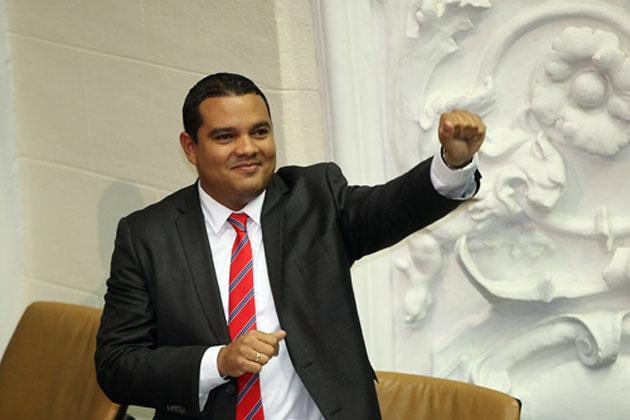 V-ctor-Clark-es-designado-como-nuevo-ministro-del-Poder-Popular-para-la-Juventud