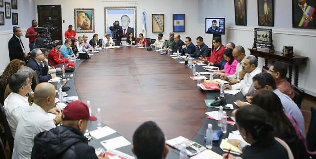 reunion-de-ministros-con-Maduro-700x352