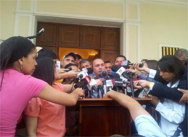 "Diputado-Francisco-Torrealba""No-vamos-a-permitir-que-se-aprueben-leyes-privatizadoras-en-este-país"""