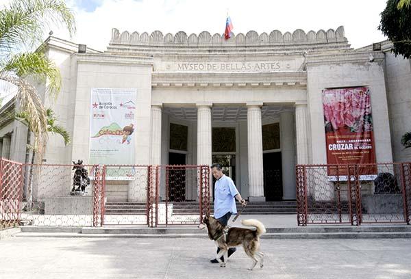fachada-del-museo-de-bellas-artes-2