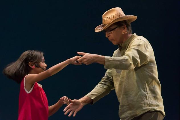 Durante La Fiesta del Joropo, bailando junto a su nieta. Foto: Gustavo Lagarde