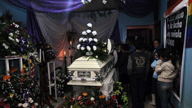 160305144544_berta_ceceres_funeral_640x360_epa_nocredit