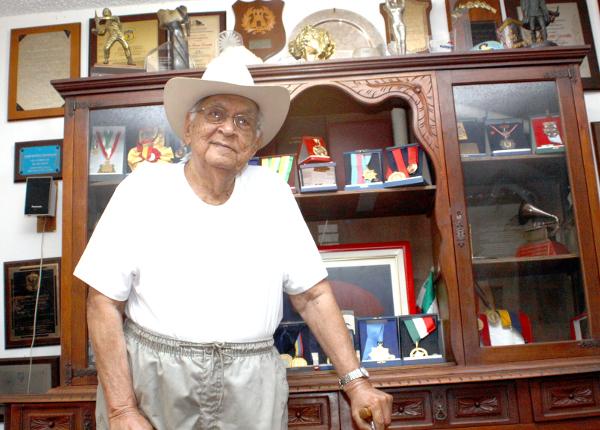 Juan-Vicente-Torrealba-Todas-mis-composiciones-las-hice-con-el-arpa-en-la-mano8888