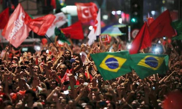 Multitud-Avenida-Paulista-Dilma-AP_CLAIMA20160318_0467_29