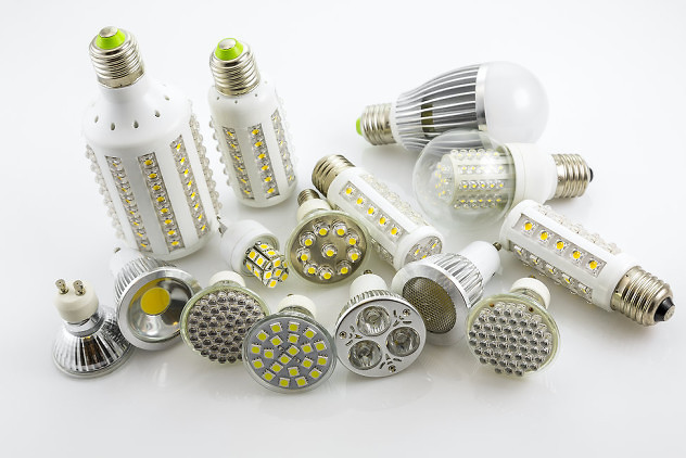 LED lamps GU10 and E27 with a different chip technology also construction different lamp power and cover glass