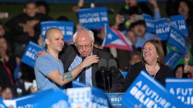 El-increíble-discurso-de-Residente-Calle-13-en-apoyo-a-Bernie-Sanders-en-el-Bronx-1024x576