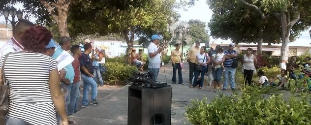 F1- Los yaracuyanos acudieron a las plazas Bolívar de