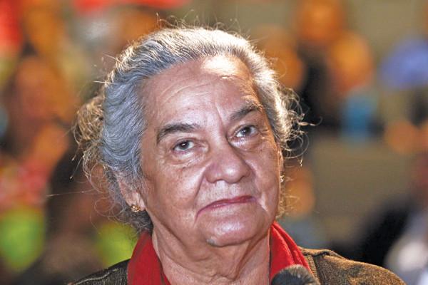 Iguaraya-Pérez-d-Hernández-fue-homenajeada-en-el-BCV