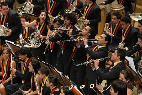 sinfonica_de_venezuela_triunfa_en_espa_a-_felicitaciones_de_alcanzatuinmueble-com-ve
