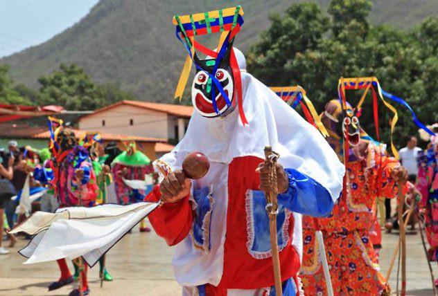 Diablos-Danzantes-de-CHUAO-6-foto-Lerry-Cataño