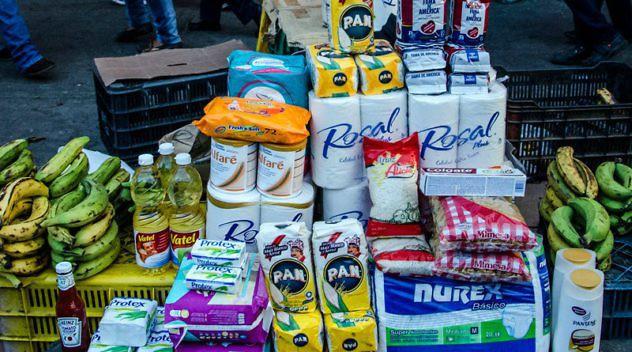 Productos-Basicos-Mercados-Populares-Harina-PAN-Bachaqueo-Bachaqueros-800x445