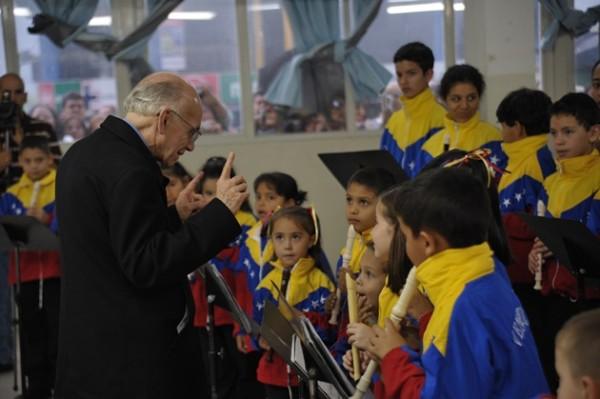 El-Sistema-Nacional-de-Orquestas-y-Coros-de-Venezuela-cumple-39-años-de-música-y-acción-social-600x399