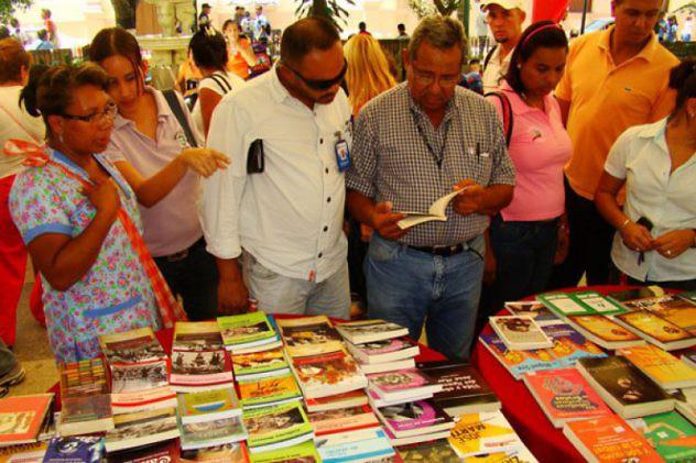 oriente20-inauguran-feria-del-libro-filven-en-monagas-01-770x513