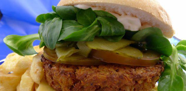 hamburguesas-caseras-de-avena-y-soja-montada-copia