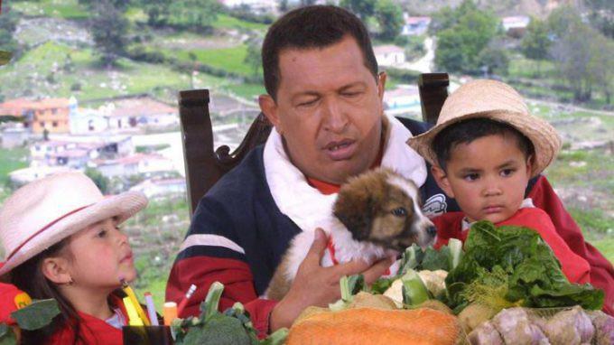 Chavez-con-cachorro-mucuchies-1-730x410