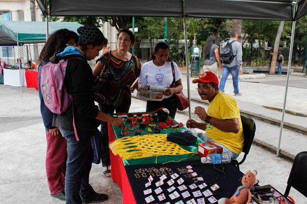 Expo-Feria-artesanal-Plaza-de-los-Museos-Nathalie-Sayago